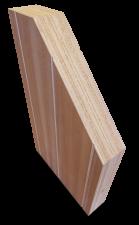 <p>Het volkern-deurpaneel AluCork® is opgebouwd uit okoumé fineren en kurklagen.</p> <p>Dankzij de kurklagen is de thermische isolatie geoptimaliseerd en het gewicht verlaagd.</p>