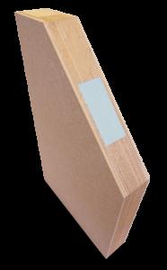 <p>Het AluCoya® samengesteld deurpaneel heeft door zijn superieure Tricoya® topfinishing een strakke uitstraling. Tricoya® is een houtvezelplaat welke is gefabriceerd van geacetyleerde houtvezels. De dekplaat is hierdoor vrijwel ongevoelig geworden voor v